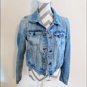 NWOT Levi Jean Faded Blue Spring Jacket